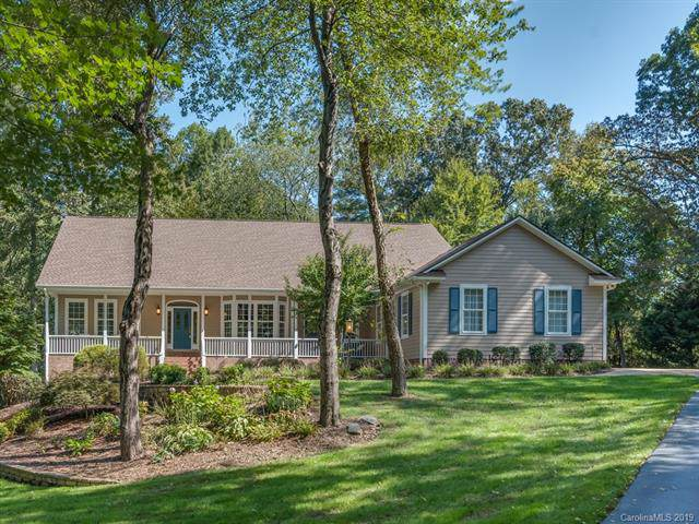 1390 North Rugby Road, Hendersonville, NC 28791 (#3555263) :: Besecker Homes Team