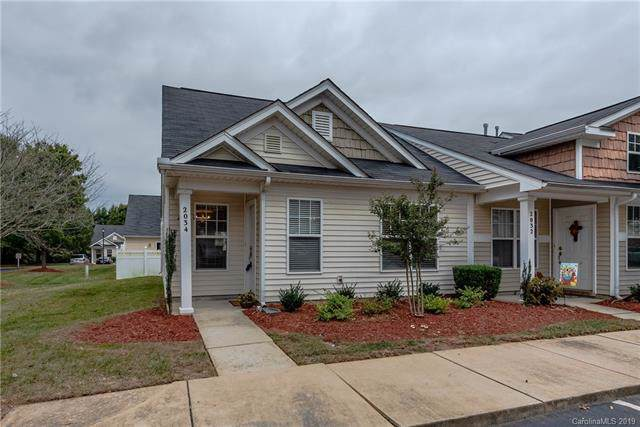 2034 Shady Pond Drive, Clover, SC 29710 (#3555603) :: Charlotte Home Experts
