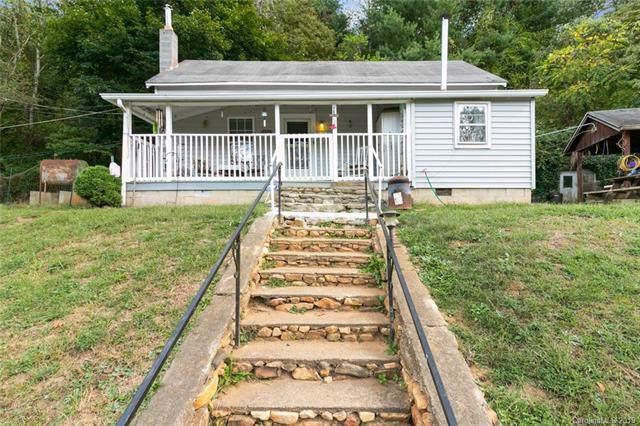 135 Morgan Cove Road, Candler, NC 28715 (#3555626) :: High Performance Real Estate Advisors