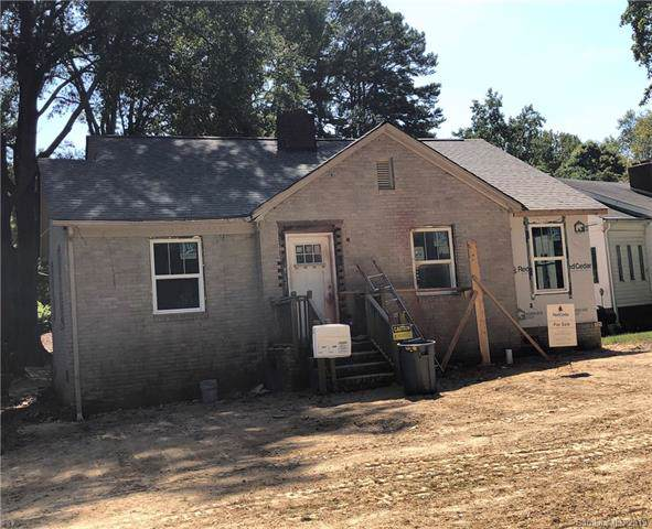 2334 Remount Road, Charlotte, NC 28208 (#3555637) :: Charlotte Home Experts