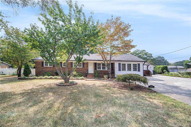 6245 Lynwood Drive NW, Concord, NC 28027 (#3556134) :: High Performance Real Estate Advisors