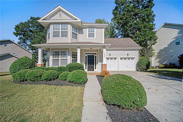 10523 Old Carolina Drive, Charlotte, NC 28214 (#3556580) :: BluAxis Realty