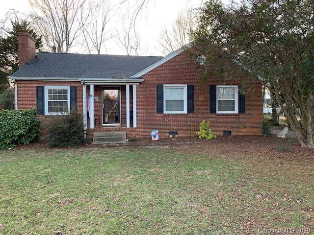 815 Meadow Road, Statesville, NC 28677 (#3556633) :: Besecker Homes Team