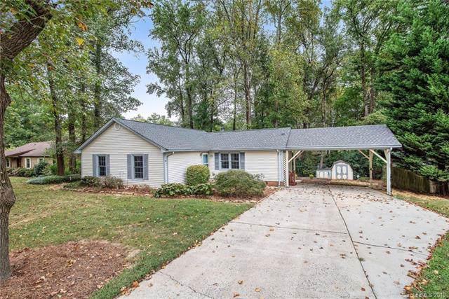 3808 Cobbleridge Drive, Charlotte, NC 28215 (#3556663) :: Team Honeycutt