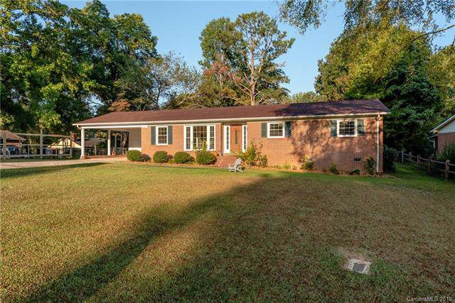 801 Lakeside Circle, Lancaster, SC 29720 (#3556710) :: Washburn Real Estate