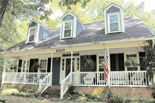 2013 Broadleaf Place, Charlotte, NC 28226 (#3557065) :: Homes Charlotte