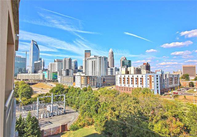 701 Royal Court #811, Charlotte, NC 28202 (#3557105) :: Ann Rudd Group