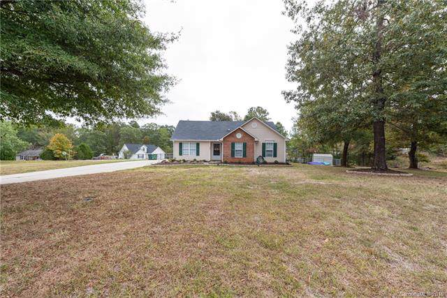 3025 Chinaberry Drive, Lancaster, SC 29720 (#3557135) :: Washburn Real Estate