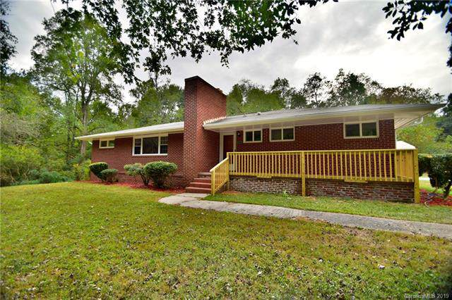2800 Davis Park Road, Gastonia, NC 28052 (#3557261) :: www.debrasellscarolinas.com