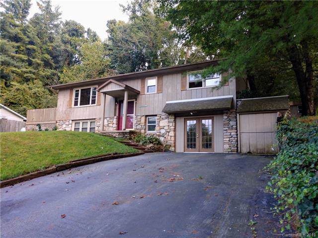 1729 S Lakeside Drive, Hendersonville, NC 28739 (#3557578) :: Besecker Homes Team