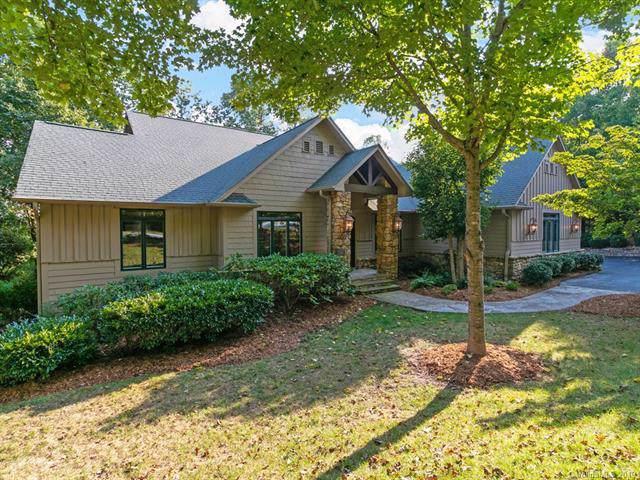 305 Piney Knoll Lane, Hendersonville, NC 28739 (#3557740) :: Washburn Real Estate