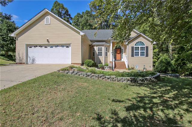 101 High Ridge Court E, Mount Holly, NC 28120 (#3557897) :: Odell Realty