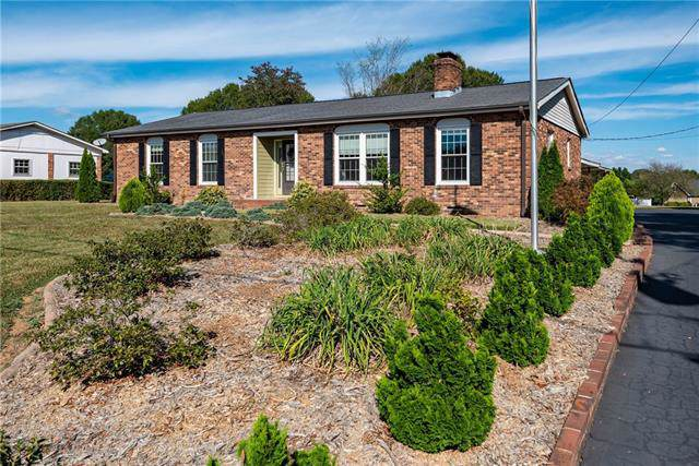 2035 Heritage Farm Road, Taylorsville, NC 28681 (#3557986) :: Carlyle Properties