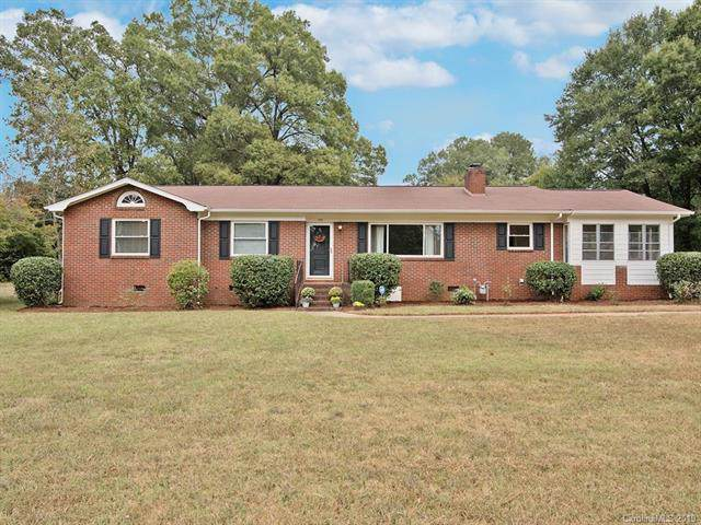186 Coulwood Drive, Charlotte, NC 28214 (#3558203) :: LePage Johnson Realty Group, LLC