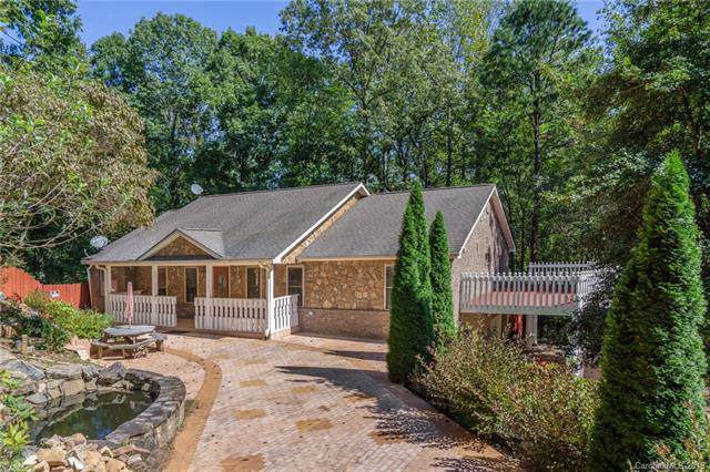 44 Canterbury Hill Lane, Hendersonville, NC 28792 (#3558249) :: Besecker Homes Team