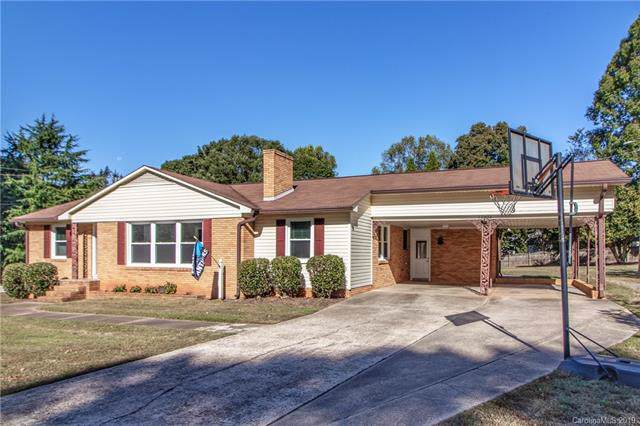 2733 E Broad Street, Statesville, NC 28625 (#3558717) :: MartinGroup Properties