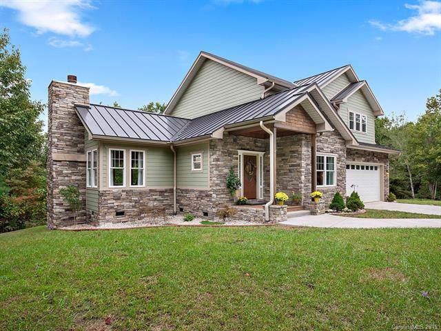 1779 Holiday Drive, Hendersonville, NC 28739 (#3559128) :: Johnson Property Group - Keller Williams