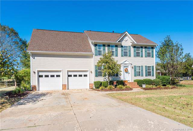 8007 Middleton Circle, Harrisburg, NC 28075 (#3559322) :: Robert Greene Real Estate, Inc.