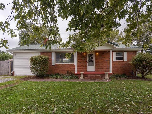 462 Pisgah Drive, Brevard, NC 28712 (#3559379) :: Homes Charlotte