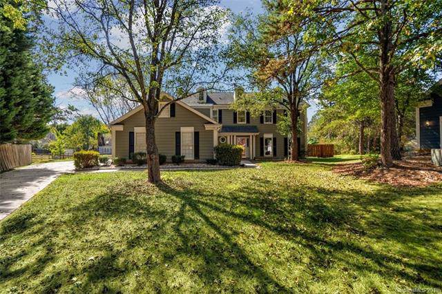 3709 Stoneglen Path, Charlotte, NC 28269 (#3559397) :: The Ramsey Group