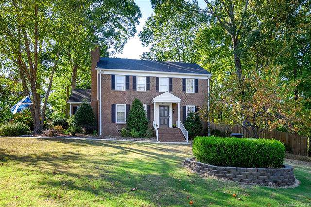 2751 Creekbed Lane, Charlotte, NC 28210 (#3559476) :: Scarlett Property Group