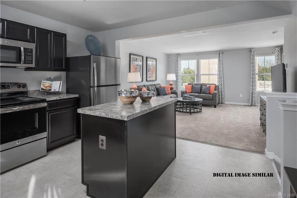 803 Renee Avenue 1020F, Fort Mill, SC 29715 (#3559514) :: LePage Johnson Realty Group, LLC
