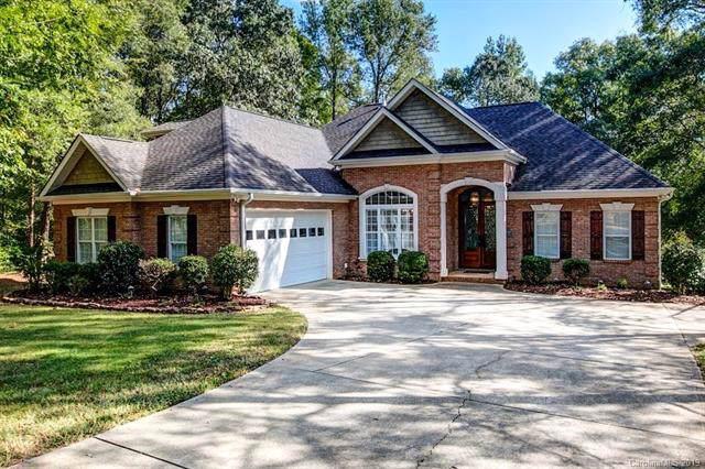 10026 Arlington Oaks Drive, Charlotte, NC 28227 (#3559810) :: Homes Charlotte