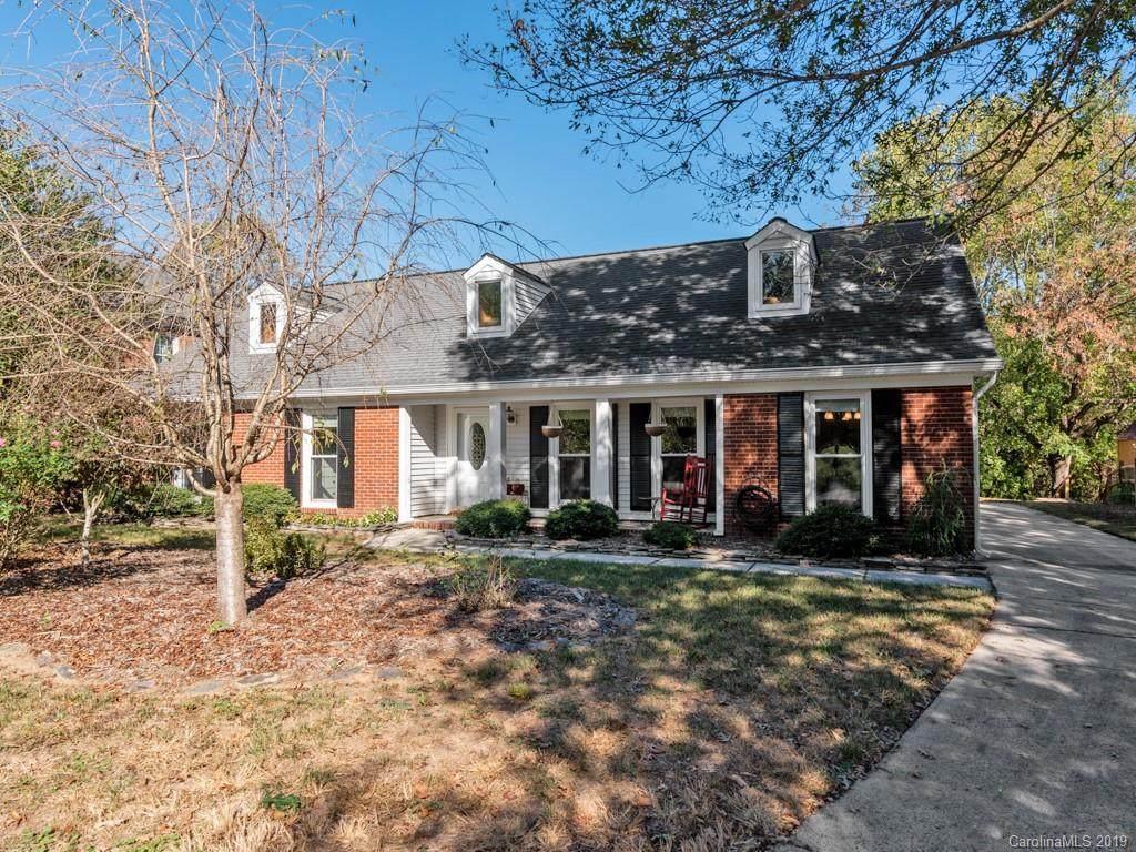 9727 Ridgemore Drive, Charlotte, NC 28277 (#3559866) :: Scarlett Property Group