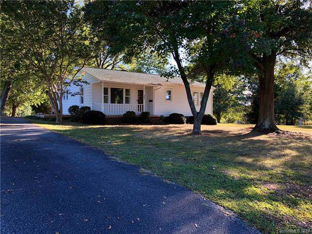 325 Highland Drive, Lincolnton, NC 28092 (#3559897) :: Miller Realty Group