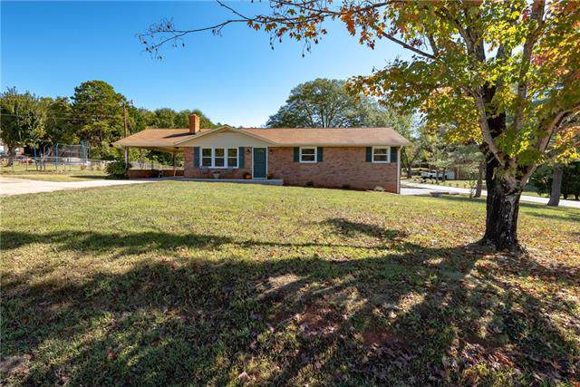2350 27th Street NE, Hickory, NC 28601 (#3560097) :: The Ramsey Group