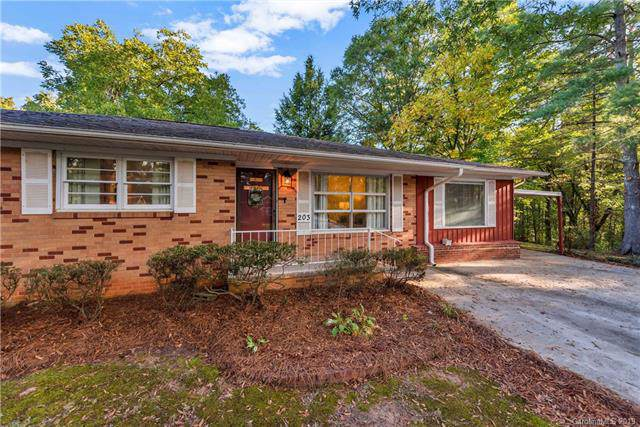 203 E Tennessee Avenue, Bessemer City, NC 28016 (#3560760) :: LePage Johnson Realty Group, LLC