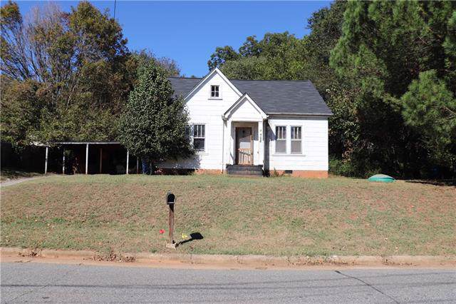 728 7th Avenue SW, Hickory, NC 28602 (#3561130) :: Mossy Oak Properties Land and Luxury