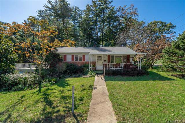 1001 Mountain View Street, Hendersonville, NC 28739 (#3561335) :: Homes Charlotte