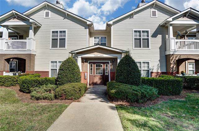 16644 Amberside Road E, Cornelius, NC 28031 (#3561527) :: Sellstate Select