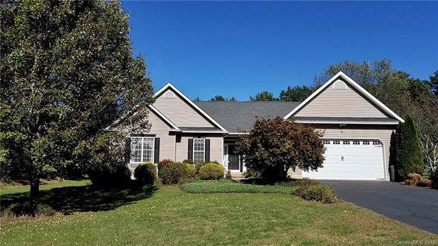 74 Classic Oaks Circle, Hendersonville, NC 28792 (#3561550) :: Keller Williams Professionals
