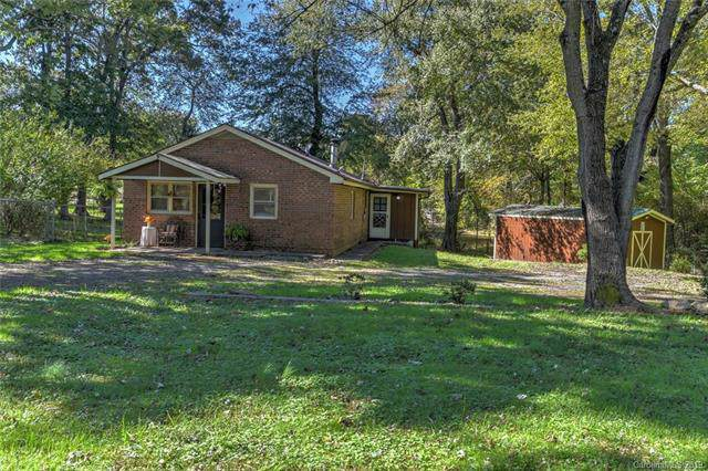 120 Bradshaw Avenue, Hendersonville, NC 28792 (#3561608) :: DK Professionals Realty Lake Lure Inc.