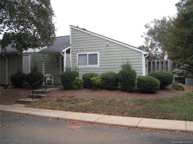 9022 Mcalpine Cove Court, Charlotte, NC 28270 (#3561715) :: Robert Greene Real Estate, Inc.