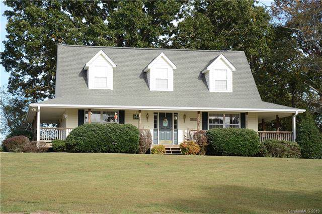 140 Kyndra Knoll Lane, Horse Shoe, NC 28742 (#3561757) :: RE/MAX RESULTS