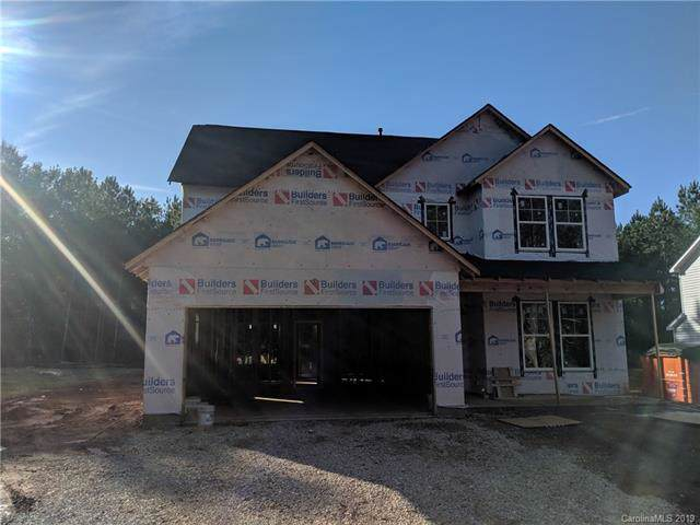 2605 Oakdale Creek Lane, Charlotte, NC 28216 (#3562153) :: Cloninger Properties