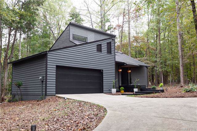 4039 Carmel Forest Drive, Charlotte, NC 28226 (#3562167) :: The Andy Bovender Team