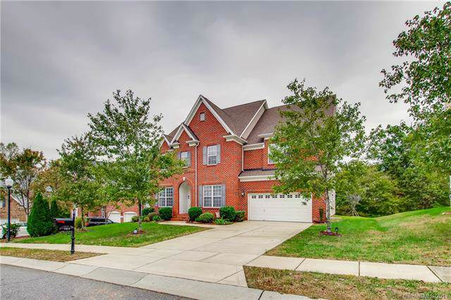 7814 Greenock Ridge Court, Charlotte, NC 28269 (#3562347) :: Odell Realty