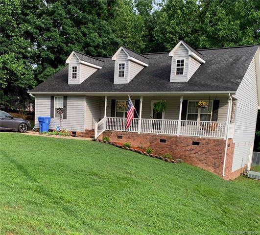 925 Manor Drive, Kings Mountain, NC 28086 (#3562382) :: MartinGroup Properties
