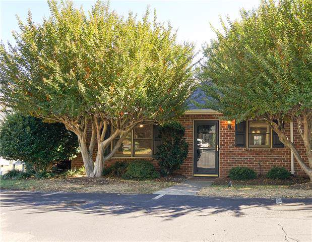 901 21st Avenue NE, Hickory, NC 28601 (#3562494) :: Homes Charlotte