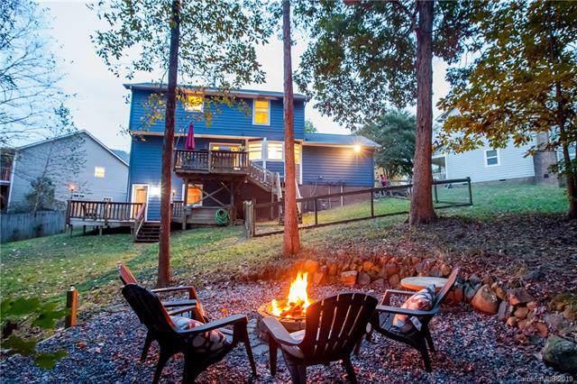 1542 Newfound Hollow Drive, Charlotte, NC 28214 (#3562639) :: Rinehart Realty