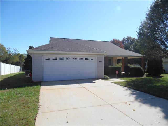 1451 Farmington Hills Drive, Conover, NC 28613 (#3563089) :: Roby Realty