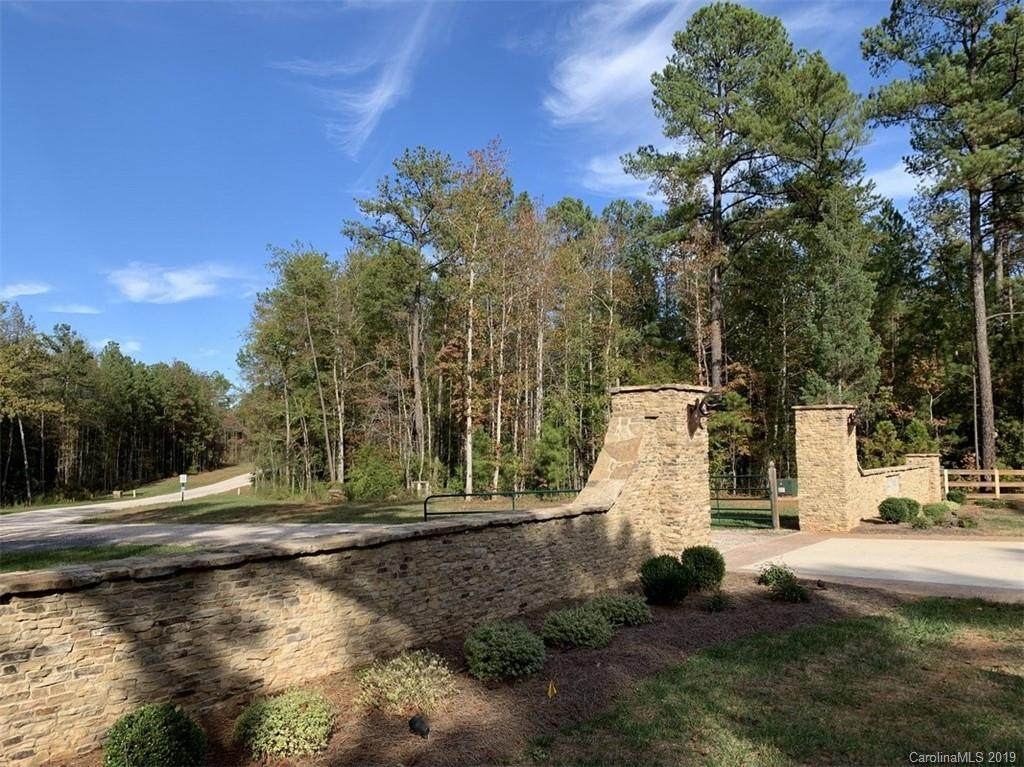 2140 Two Sisters Drive - Photo 1