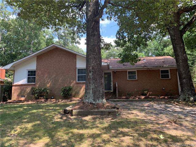 3708 Castlerock Drive, Charlotte, NC 28215 (#3563558) :: RE/MAX RESULTS