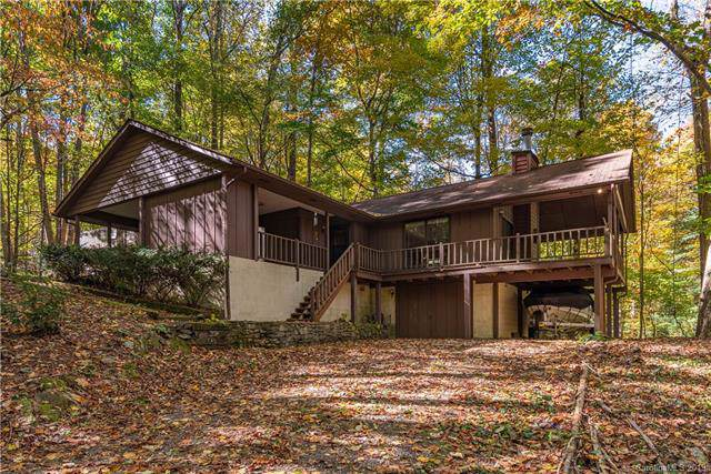 194 Hickory Drive, Maggie Valley, NC 28751 (#3563594) :: Rowena Patton's All-Star Powerhouse