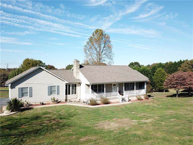 3604 Farmfield Drive, Claremont, NC 28610 (#3564157) :: Roby Realty