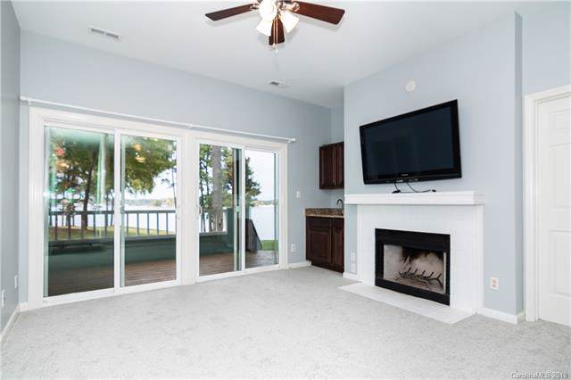 307 Northwest Drive, Davidson, NC 28036 (#3564226) :: Homes Charlotte